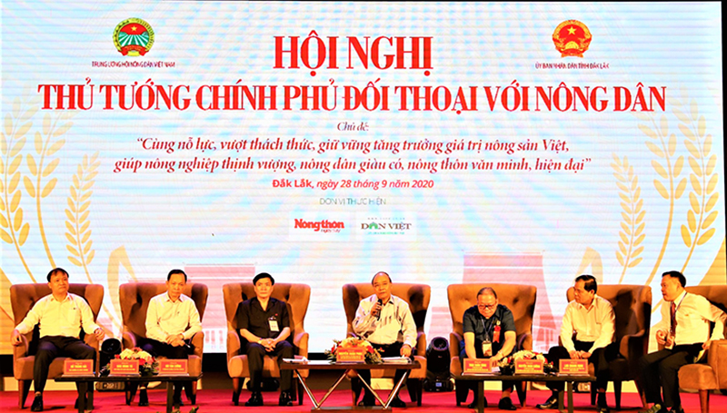 Thủ tướng Chính phủ đối thoại với nông dân tại tỉnh Đắk Lắk